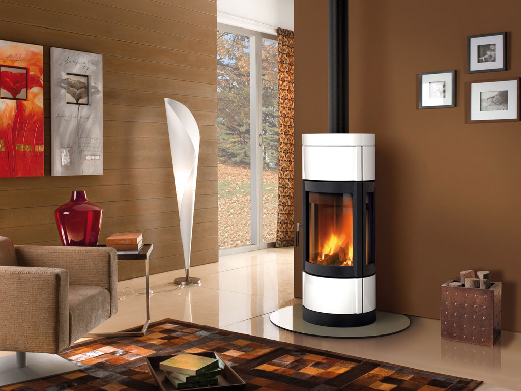 Round Shaped And Pivoting Wood Burning Stove With Panoramic View Of The Fire