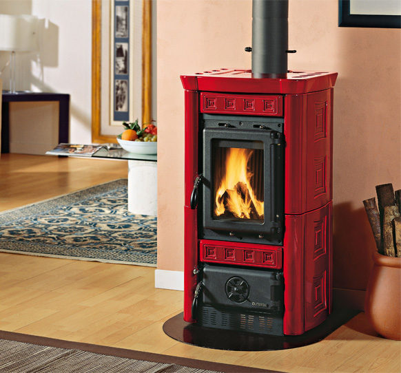 Wood Burning Stove With Majolica Covering