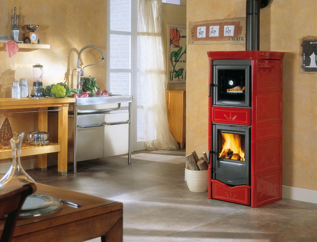 Stufe a legna nicoletta forno evo la nordica extraflame - Stufa a legna prezzo ...