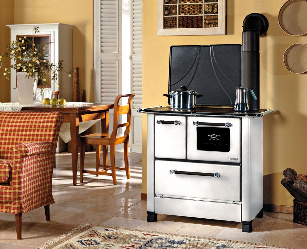 Cucine a legna romantica 3 5 la nordica extraflame - Cucina a legna economica ...