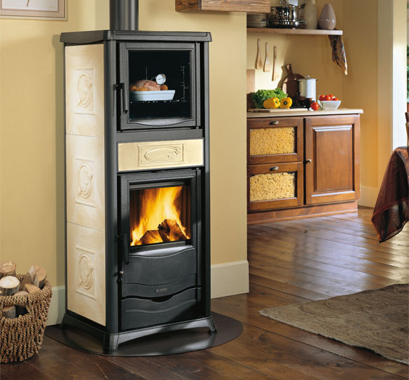 stufe a legna rossella plus forno evo la nordica extraflame. Black Bedroom Furniture Sets. Home Design Ideas