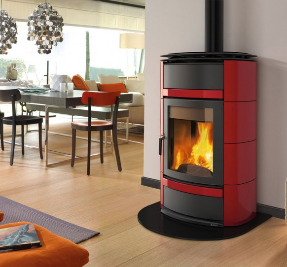 Wood stoves norma s idro d s a la nordica extraflame - Stufe a pellet con termosifoni ...